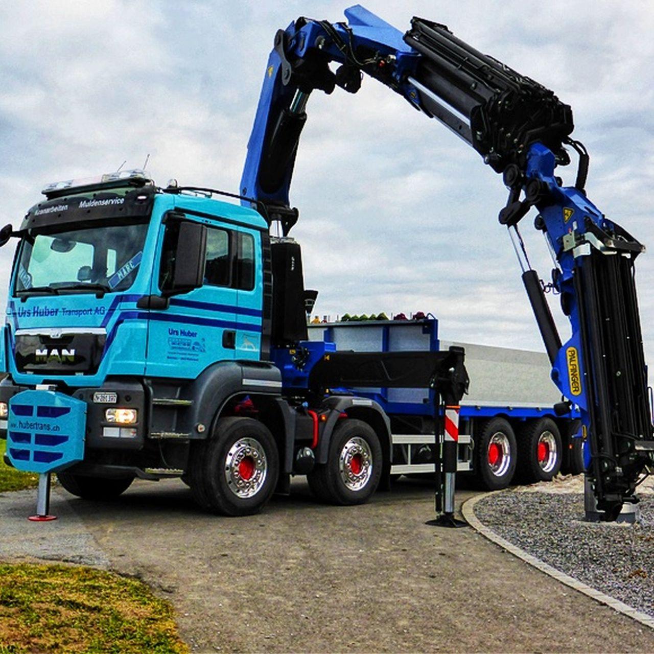 5-Achs-Kranwagen_35m_Urs Huber Transport AG 3-01[1]